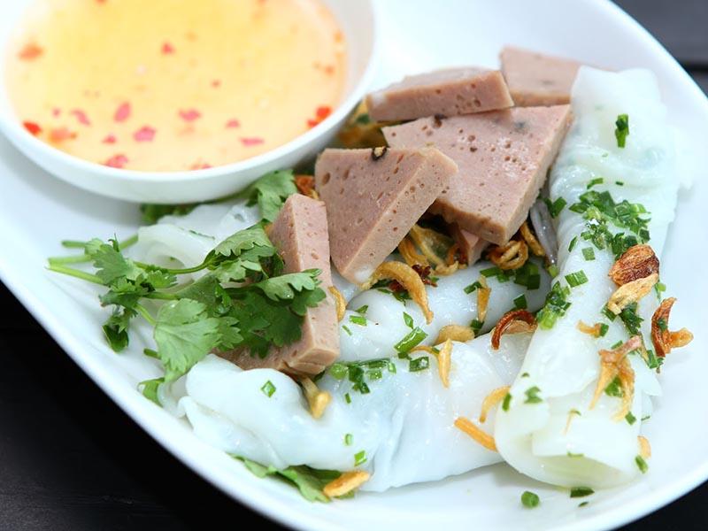 Bánh cuốn chả bò Sài Gòn